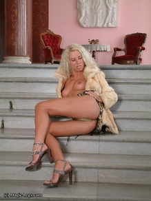 Preview Magic Legs - Daria long legs on stairs