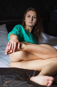 Preview Magic Legs - Magda feet fetish